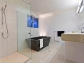R18 bathroom